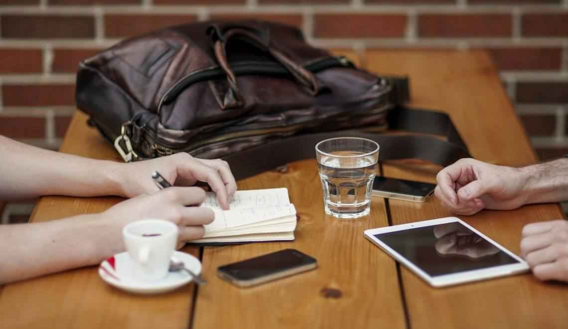 Agência online ou agência tradicional?